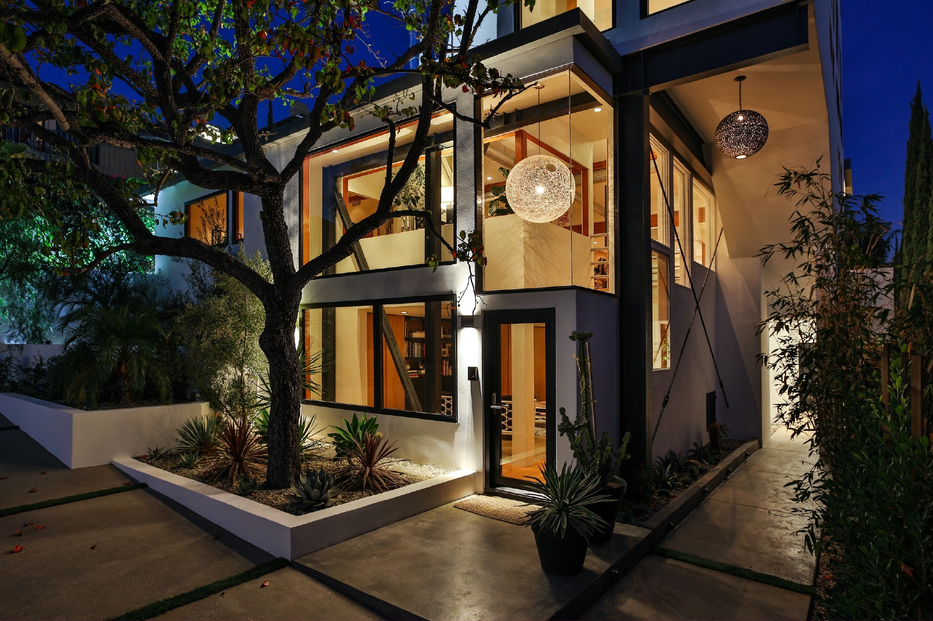 Frank Gehry's St. Ives Residence     |     Sunset Strip Los Angeles CA  | Jonah Wilson