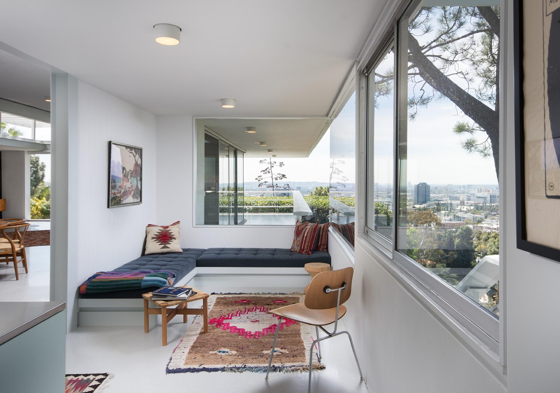 5699 Holly Oak Drive     |     Los Feliz Los Angeles CA  | Jonah Wilson