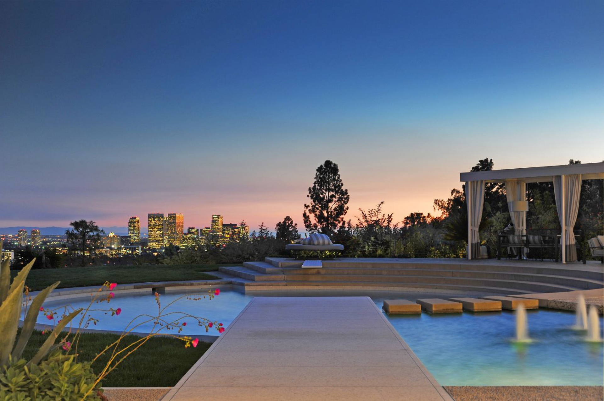 A. Quincy Jones, 1959  |  Trousdale Estates Beverly Hills CA  | Jonah Wilson
