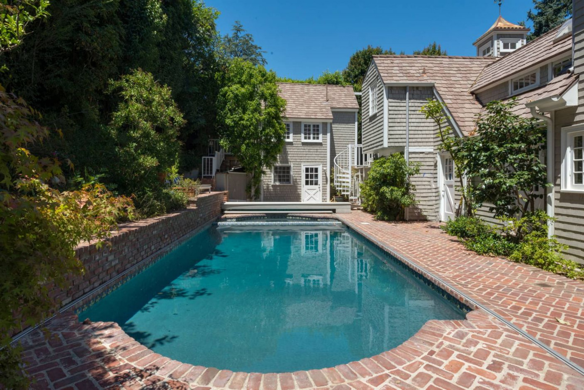 2383 Bowmont     |     Beverly Hills Beverly Hills Post Office CA  | Jonah Wilson