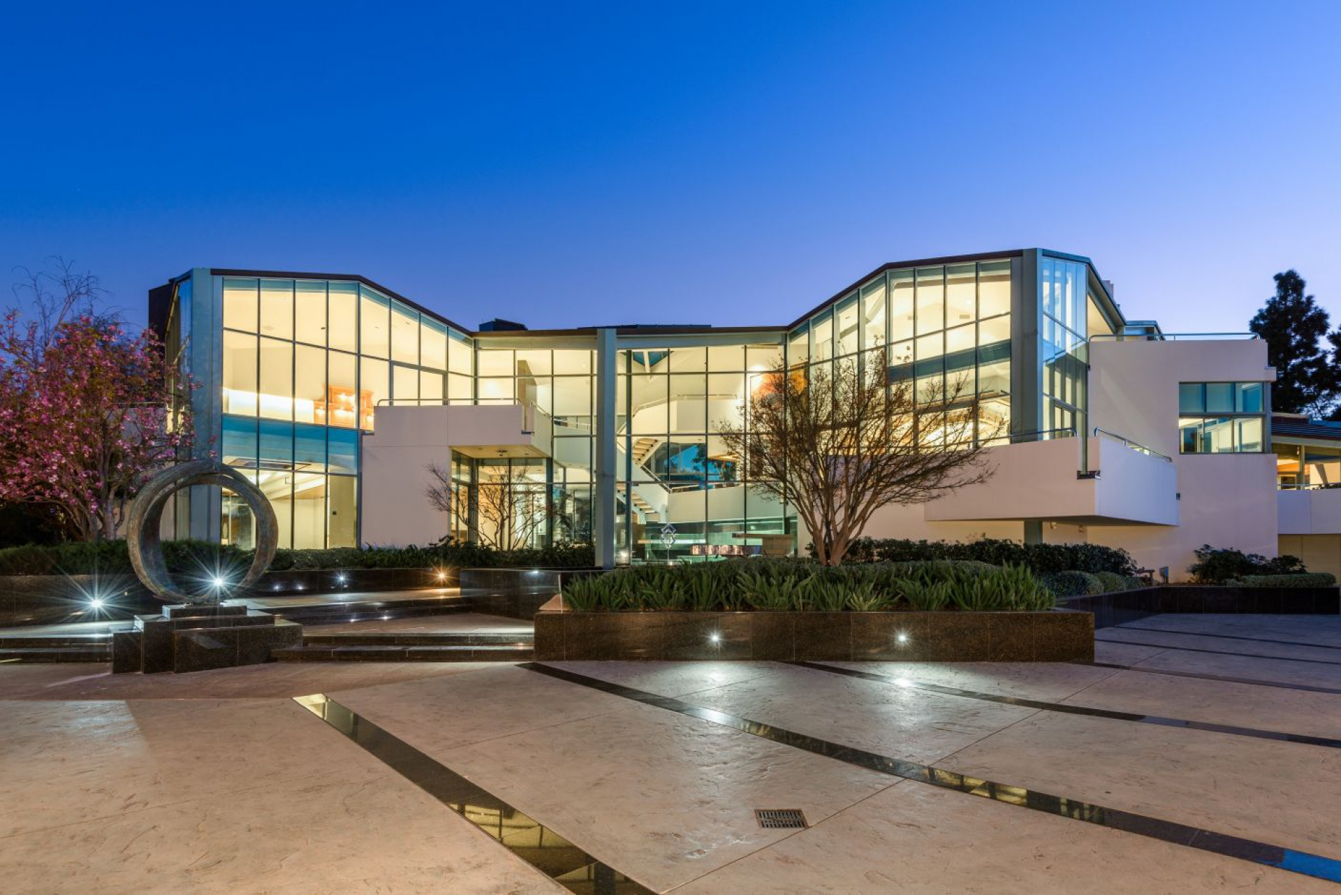 14175 Mulholland Drive     |     Beverly Hills Beverly Hills CA  | Jonah Wilson